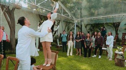 Así fue la boda entre Kimberly Loaiza y Juan de Dios Pantoja