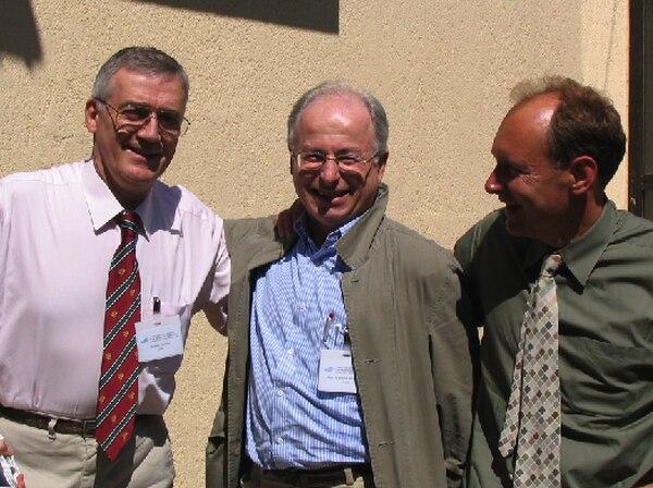 Robert Calliau, Jean-François Abramatic y Tim Berners-Lee (Wikipedia).