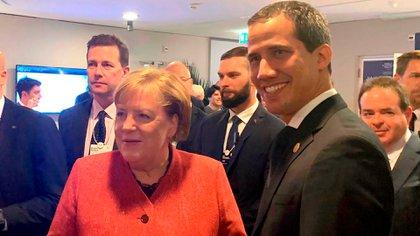 Guaidó con Angela Merkel