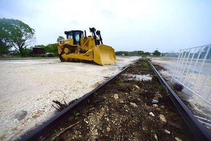 Las obras del Tren Maya iniciaron a pesar de la crisis sanitaria por coronavirus (Foto: Cortesía Presidencia)