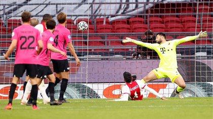 Ajax vs Utrecht: El gol de Edson Álvarez que logró darle el agónico empate a su equipo