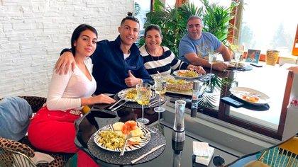 Ronaldo se centra en una dieta de seis platos diarios, entrenamiento y varias horas de descanso (@cristiano)