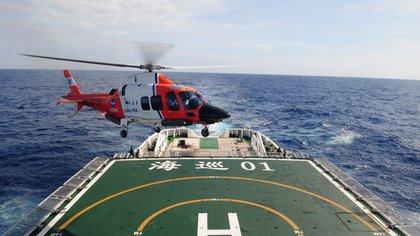 Una de las naves chinas que participa de los ejercicios navales conjuntos con Rusia e Irán en el Océano Índico.