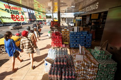 De acuerdo con el Instituto Brasileño de Geografía y Estadísticas (IBGE), la subida de la inflación en noviembre fue impulsada principalmente por el aumento de los precios de los alimentos, que tuvieron una variación del 2,54 %. EFE/Joédson Alves/Archivo