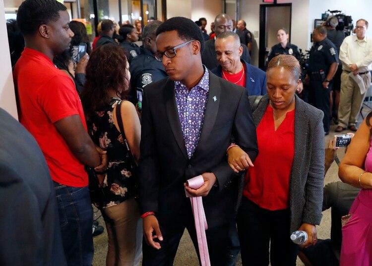 Brandt Jean haciendo su entrada a la corte este martes. (AP Photo/Tony Gutierrez)