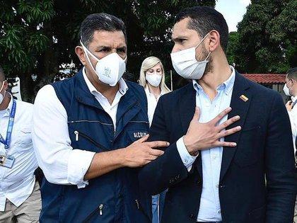 El alcalde de Cali, Jorge Iván Ospina, junto al ministro del Interior, Daniel Palacios. / MinInterior