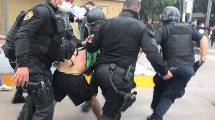 En las manifestaciones por lamuerte de Giovanni López también se acusó de represión policial  (Foto: @ZonaDocs/Twitter.)