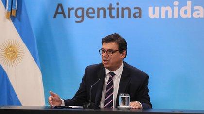 El ministro de Trabajo, Claudio Moroni, a cargo del programa Repro