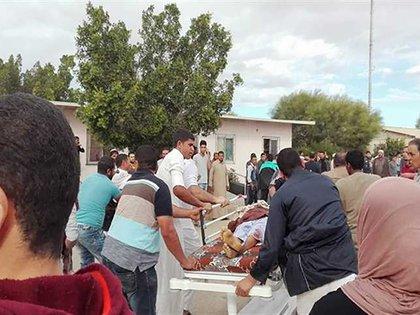 Los terroristas abrieron fuego contra los que trataron de escapar después de la elección