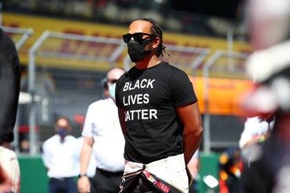"Lewis Hamilton usó una camiseta con la leyenda ""Black Lives Matter"" en la previa del GP de Austria (Mark Thompson/Pool via REUTERS)"