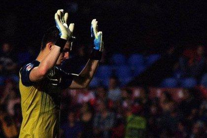 Sebastián Jurado, portero de Veracruz, no reaccionó a los disparos de los dos jugadores de Tigres. (Foto: Twitter)
