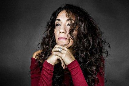 Lorena Vega (Sebastián Freire)