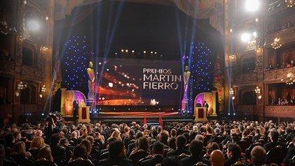 Foto de archivo del año en que los Martín Fierro se entregaron en el Teatro Colón (Crédito: APTRA)