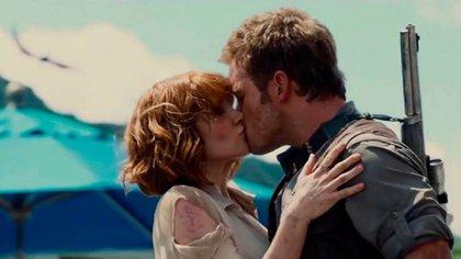 """El beso de Chris Pratt y Bryce Dallas Howard en """"Jurassic World"""""""
