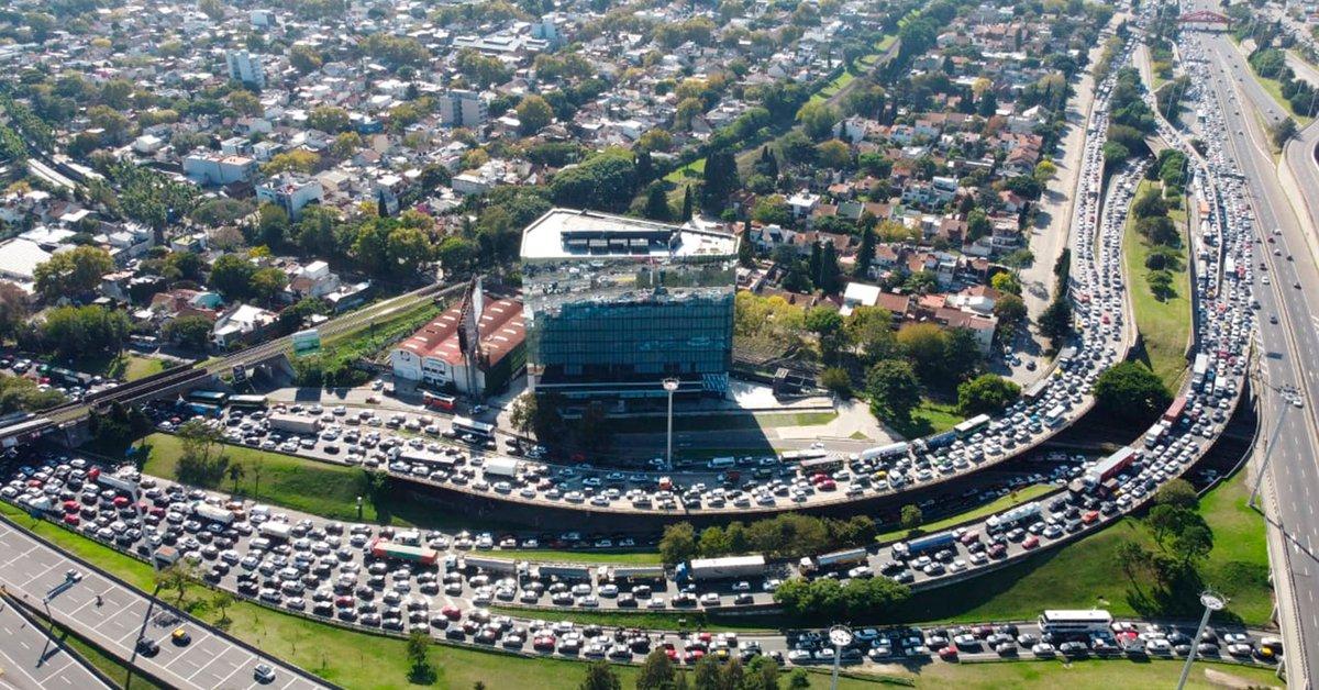Caos de tránsito en Panamericana y otros accesos a Provincia por controles del Gobierno bonaerense