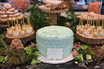 Kylie Jenner mostró en su Instagram una mesa repleta de lujosos pasteles para la fiesta