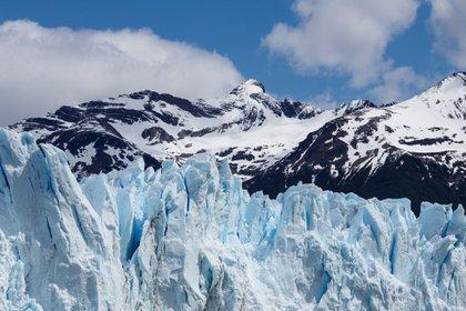 """La serie """"Los ciclos de la Tierra"""" muestra glaciares celestes, áridos desiertos, frondosas selvas y vibrantes ciudades que proponen un escape de la cacofonía de la vida cotidiana (Pixabay)"""