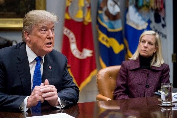 La secretaria del Departamento de Seguridad Nacional (DHS, en inglés), Kirstjen Nielsen, tenía en sus manos la cancelación o renovación del TPS de los salvadoreños (AP)