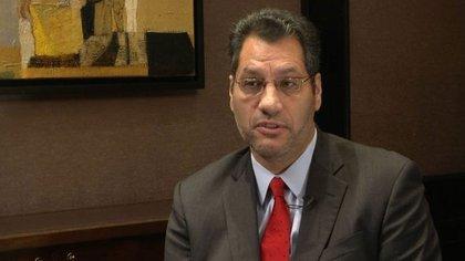 Gabriel Torres, de Moody's dijo que, finalmente, el Gobierno deberá devaluar