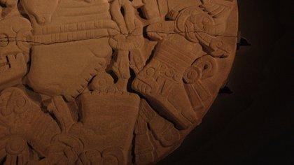 Hay restos de cinco pigmentos en el monolito (Foto: Juan Vicente Manrique / Infobae)