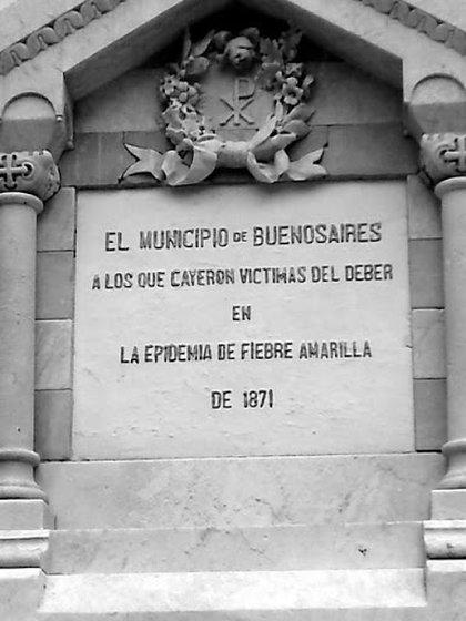 El monumento que se levantó en homenaje a las víctimas de la epidemia de fiebre amarilla.