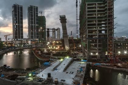 Proyectos de construcción de compañías chinas se encuentran en el horizonte cambiante de Colombo, Sri Lanka (Adam Dean / The New York Times)