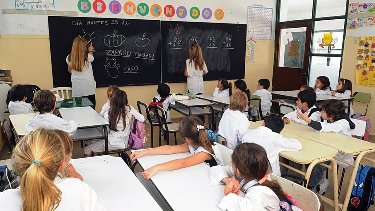 Los nuevos protocolos indican que no todos los alumnos podrán ir a clases en el mismo momento (NA)