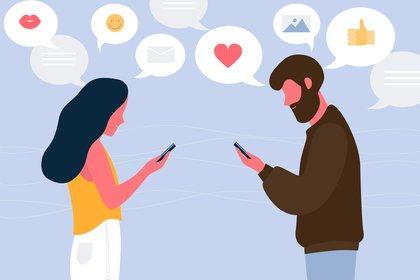 Antes de que se inventara Internet, delimitar el campo de la infidelidad en una relación ya era una tarea difícil. La infidelidad digital ocurre cuando las personas hacen uso de correos electrónicos, mensajes de texto y sus cuentas de redes sociales para desarrollar vínculos románticos y emocionales con alguien que no sea su pareja (Shutterstock)