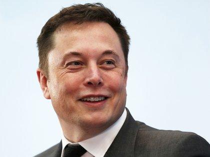 Elon Musk, creador de Space X, piensa que sería buena idea bombardear Marte para volverlo habitable.