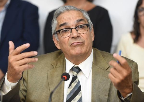 El ministro de Agricultura, Enzo Benech, asumió tras la renuncia de Tabaré Aguerre en medio de la crisis (AFP)