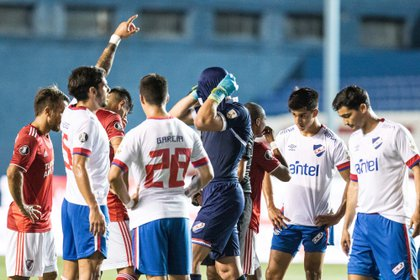 Con un global 2-8, Nacional fue eliminado por River en los cuartos de final de la Copa Libertadores (Fotobaires)
