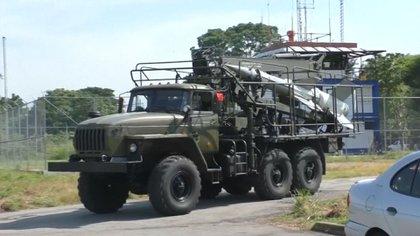 Despliegue militar de Venezuela hacia la frontera con Colombia