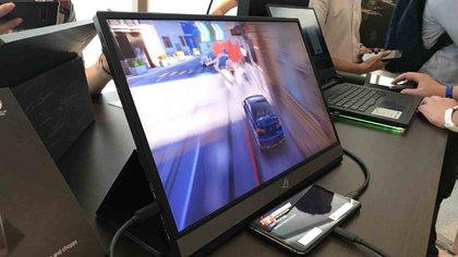 El monitor integra una batería de 7.800 mAh
