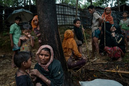 Refugiados rohinyás en un campamento cerca de Amtali, Bangladés, en agosto de 2017 (Adam Dean para The New York Times)