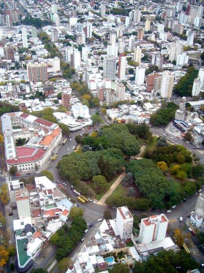La Plata es una ciudad soñada que responde al sueño civilizador de la generación del '80, cuyo paradigma cultural era Francia (Creative commons)