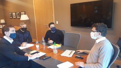La reunión entre los funcionarios Diego Santilli, José Luis Giusti, Christian Bauab y el titular de Fecoba Fabián Castillo