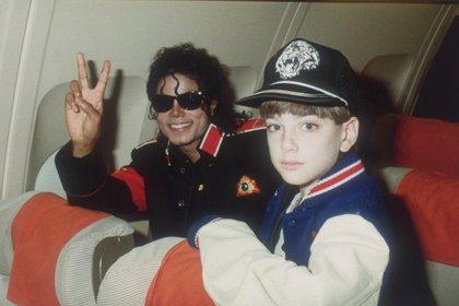 """""""Leaving Neverland"""" es una serie perturbadora que muestra el lado más oscuro de Michael Jackson"""