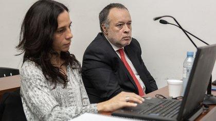 Telleldín y su defensora oficial Miriam Verónica Carzolio (Adrián Escandar)