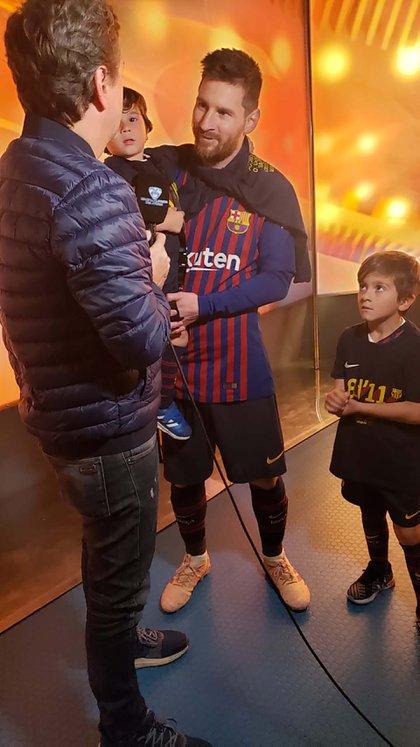 """Diego Korol viajó especialmente a Barcelona para estar junto a """"La Pulga"""" y sus hijos"""