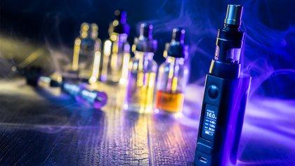 ue el aerosol de los cigarrillos electrónicos provoca daños en el pulmón como neumonías y lesiones similares al enfisema (Shutterstock)
