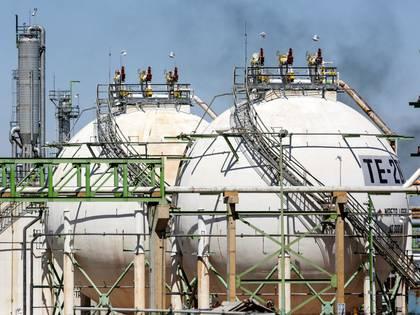 En lo que va del año, el energético nacional acumula una baja de 58% (Foto: Reuters)