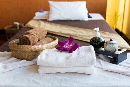 En los hoteles que se ofrecen tratamientos de spa, se destacan las experiencias exclusivas. A menudo, estos tratamientos únicos surgen de la cultura o los alrededores naturales del destino (Getty Images)