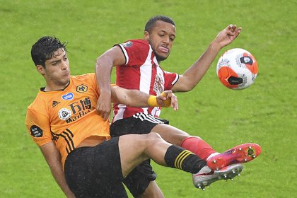 El delantero mexicano Raúl Jiménez acumula 16 anotaciones en la Premier League (Foto: EFE/EPA/Laurence Griffiths)