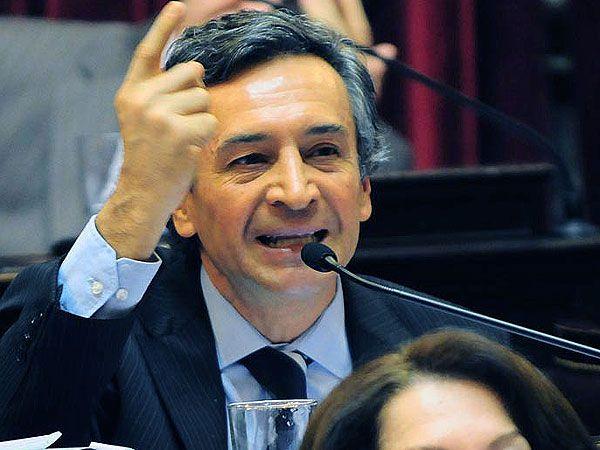 El senador nacional por San Juan Roberto Basualdo (Producción y Trabajo).