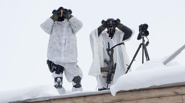 Suiza ha desplegado un importante operativo de seguridad, pero los jefes de Estado y gobierno también cuentan con sus propios equipos (AFP)