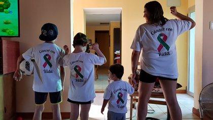 Gabriela junto a sus hijos participaron en maratones contando sus vivencias