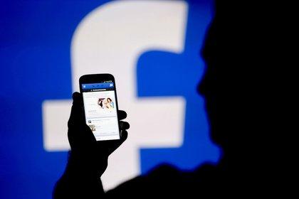 A pesar de los escándalos, las acciones de la red social han subido 9% en lo que va de 2018 (Reuters)
