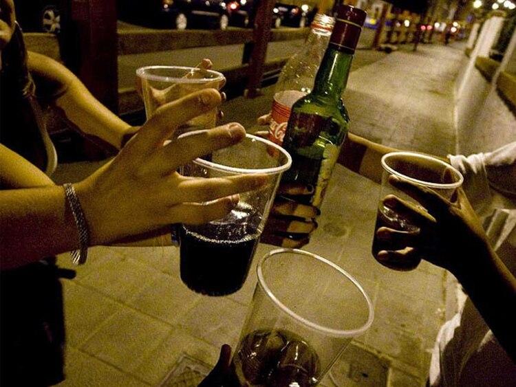 Resultado de imagen de alcohol en jovenes