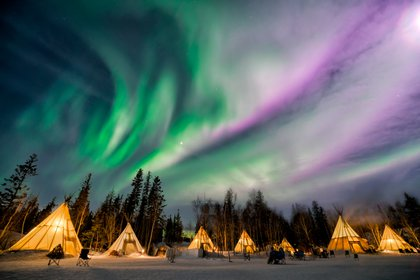 La aurora boreal de los Territorios del Noroeste es uno de los fenómenos naturales más bellos de Canadá (Shutterstock)