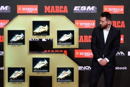 Messi consiguió su tercera Bota de Oro consecutiva (Photo by Josep LAGO / AFP)